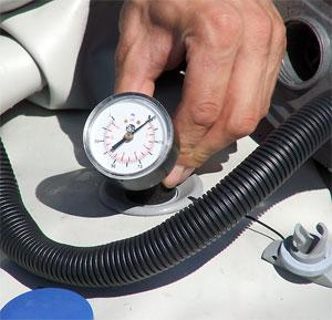 Как из медицинского тонометра сделать манометр для лодки пвх